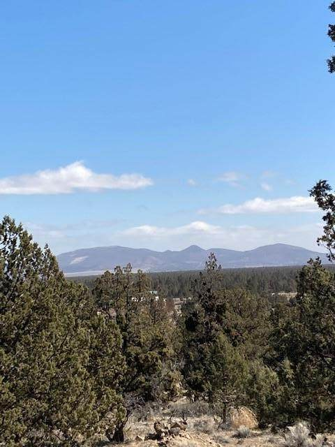 65560 76th Street, Bend, OR 97703 (MLS #220120185) :: Berkshire Hathaway HomeServices Northwest Real Estate