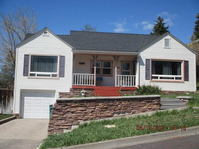 2043 Del Moro Street, Klamath Falls, OR 97601 (MLS #220120496) :: Bend Relo at Fred Real Estate Group