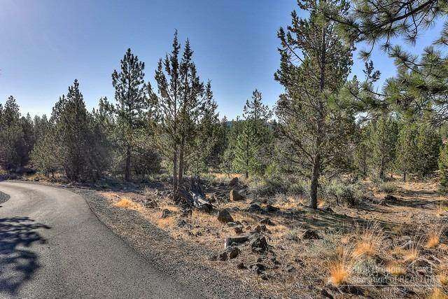 Lot 200 Saddleback, Bend, OR 97701 (MLS #220122148) :: Stellar Realty Northwest