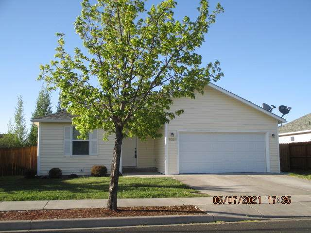 5529 Kellal Lane, Klamath Falls, OR 97603 (MLS #220122203) :: Chris Scott, Central Oregon Valley Brokers