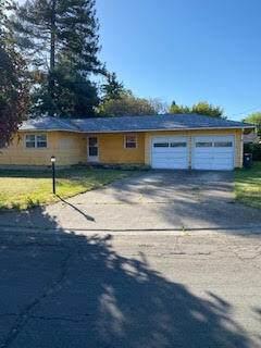 125 Sharon Drive, Phoenix, OR 97535 (MLS #220122335) :: Keller Williams Realty Central Oregon