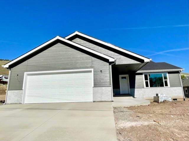 961 Patterson Street, Klamath Falls, OR 97603 (MLS #220122577) :: Premiere Property Group, LLC