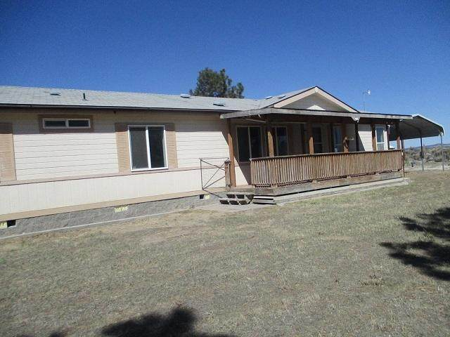 87750 Hill Lane, Christmas Valley, OR 97641 (MLS #220122580) :: Bend Relo at Fred Real Estate Group