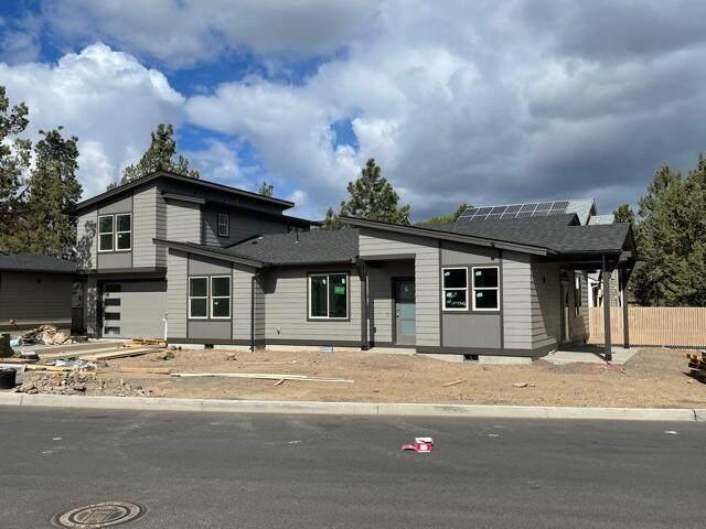 16460 Carter Court, La Pine, OR 97739 (MLS #220123183) :: Chris Scott, Central Oregon Valley Brokers