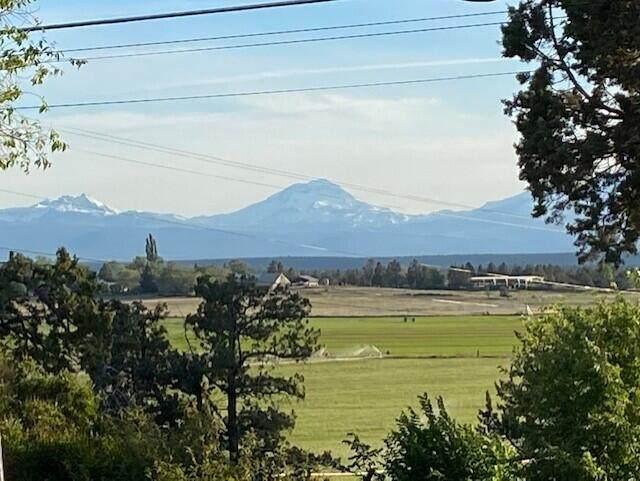 8755 NW 18th Street, Terrebonne, OR 97760 (MLS #220124006) :: Chris Scott, Central Oregon Valley Brokers