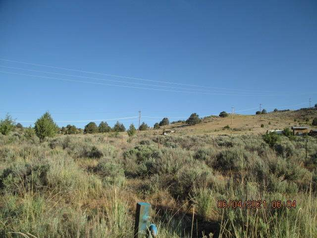 Lot 403 Frontage Road, Klamath Falls, OR 97601 (MLS #220124305) :: Chris Scott, Central Oregon Valley Brokers