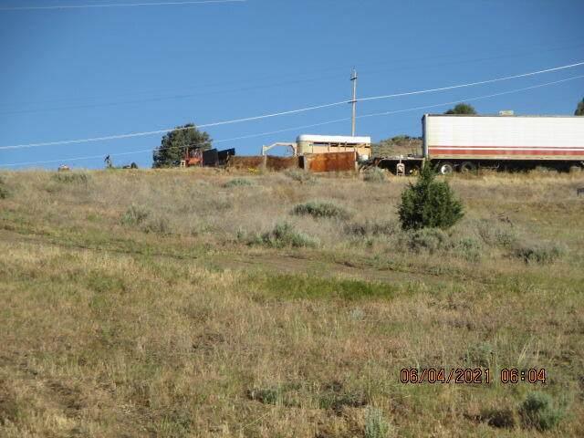 Lots 401 Frontage Road, Klamath Falls, OR 97601 (MLS #220124308) :: Chris Scott, Central Oregon Valley Brokers
