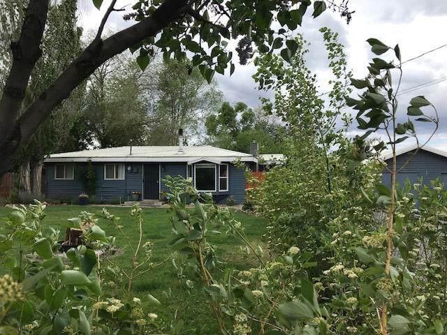 243 Jefferson Avenue, Metolius, OR 97741 (MLS #220124435) :: Berkshire Hathaway HomeServices Northwest Real Estate
