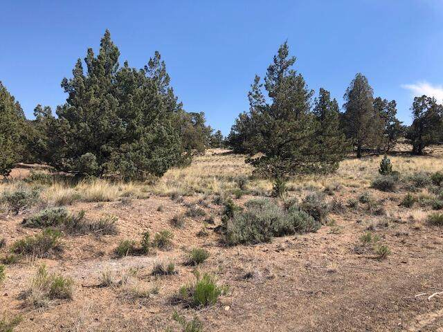 Lot 15-Lot 15 Antelope Drive, Powell Butte, OR 97753 (MLS #220124469) :: Fred Real Estate Group of Central Oregon