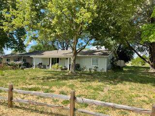 2225 Fowler Lane, Central Point, OR 97502 (MLS #220124492) :: FORD REAL ESTATE