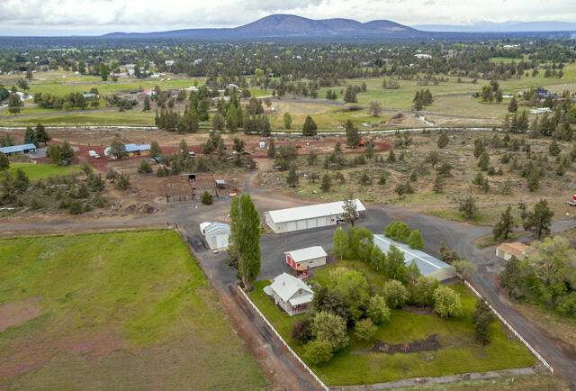6531 S Highway 97, Redmond, OR 97756 (MLS #220124773) :: Bend Relo at Fred Real Estate Group