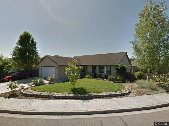 468 Merlee Circle, Eagle Point, OR 97524 (MLS #220124924) :: Bend Homes Now