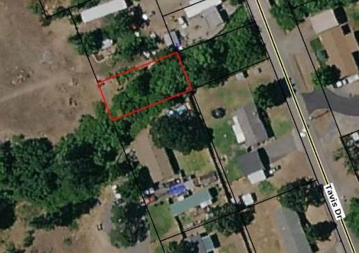 300 Tavis Drive, Merlin, OR 97532 (MLS #220125087) :: The Ladd Group