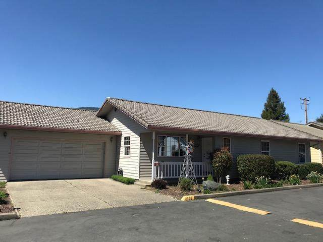 102 Cluster Drive, Rogue River, OR 97537 (MLS #220125131) :: Coldwell Banker Sun Country Realty, Inc.
