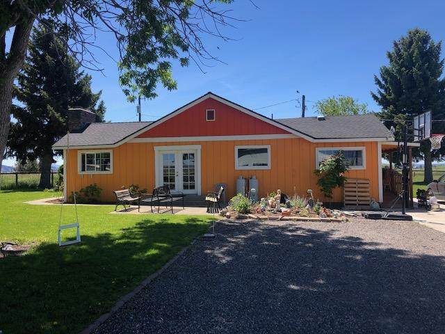 15194 SW Hwy 97, Culver, OR 97734 (MLS #220125208) :: Berkshire Hathaway HomeServices Northwest Real Estate