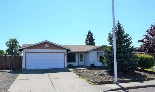 7584 Hale Way, White City, OR 97503 (MLS #220125755) :: Bend Homes Now
