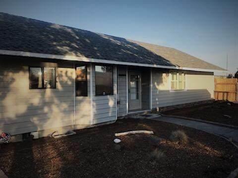 2772 SW Glacier Avenue, Redmond, OR 97756 (MLS #220125999) :: Bend Homes Now