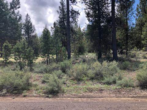 15929 Sparks Drive, La Pine, OR 97739 (MLS #220126990) :: Coldwell Banker Bain