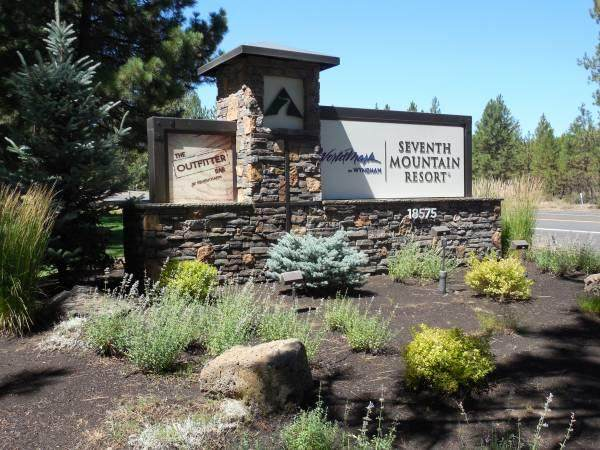 18575 SW Century Drive 1517-1518, Bend, OR 97702 (MLS #220127779) :: The Ladd Group