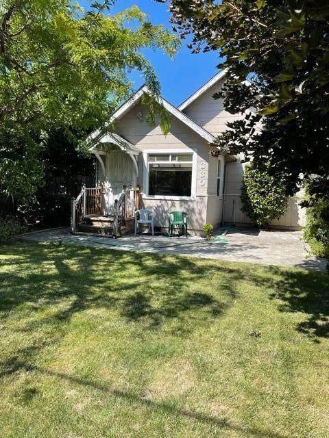 330 Chestnut Street, Medford, OR 97501 (MLS #220128067) :: Premiere Property Group, LLC