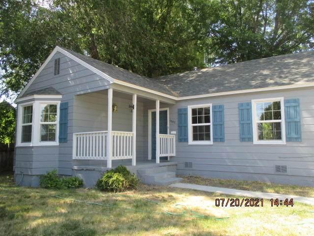 5543 Cottage Avenue, Klamath Falls, OR 97603 (MLS #220128472) :: Coldwell Banker Bain