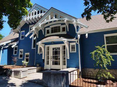 235 N 3rd Street, Klamath Falls, OR 97601 (MLS #220128532) :: Central Oregon Home Pros