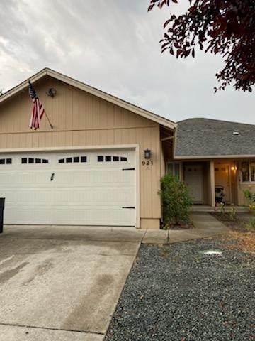 921 N Rose A Street, Phoenix, OR 97535 (MLS #220128563) :: Stellar Realty Northwest
