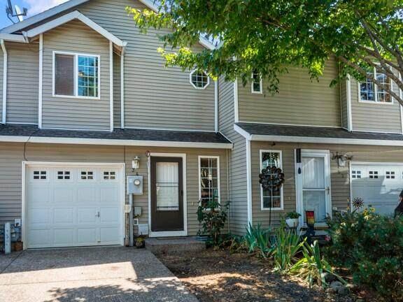 34 SE 171st Avenue, Portland, OR 97233 (MLS #220128564) :: Bend Relo at Fred Real Estate Group
