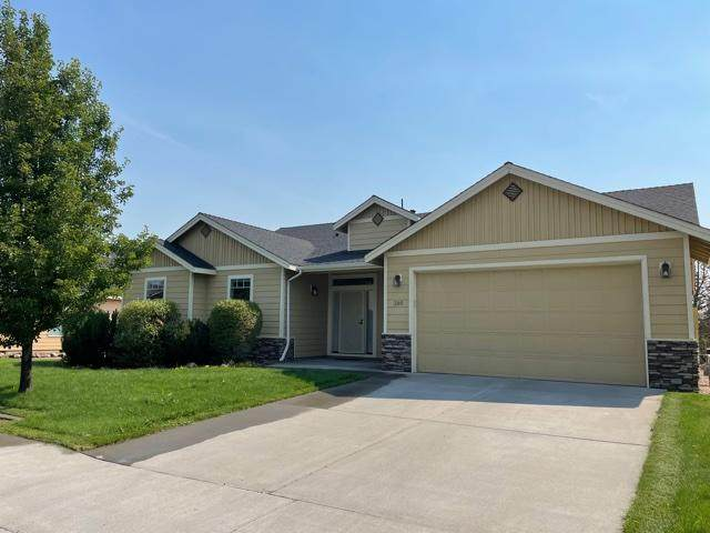 380 NW 16th Place, Redmond, OR 97756 (MLS #220128763) :: The Ladd Group