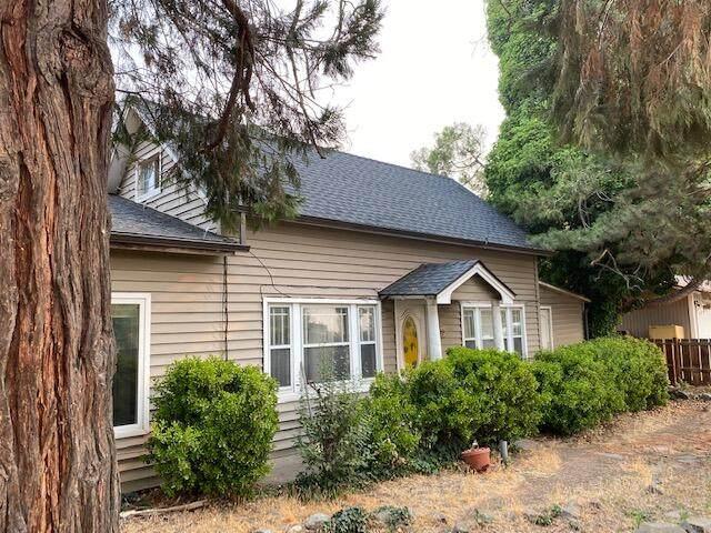 4915 Cabbage Lane, Phoenix, OR 97535 (MLS #220128860) :: Keller Williams Realty Central Oregon