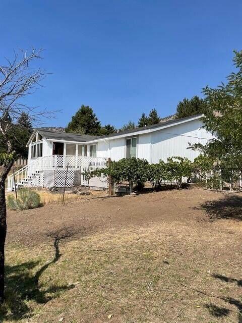 12059 Clovis Drive, Klamath Falls, OR 97603 (MLS #220130704) :: Chris Scott, Central Oregon Valley Brokers