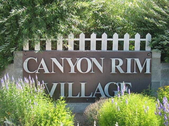 526 NW Rimrock Court, Redmond, OR 97756 (MLS #220130797) :: The Bifano Home Team