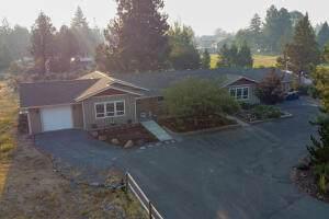 21232 Dove Lane, Bend, OR 97702 (MLS #220130919) :: Premiere Property Group, LLC