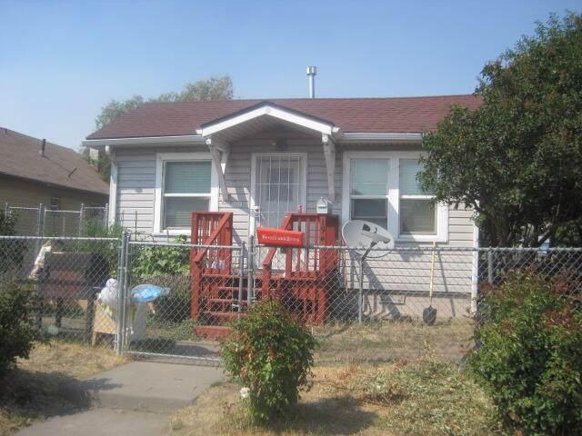 1945 Vine Avenue, Klamath Falls, OR 97601 (MLS #220130992) :: Arends Realty Group