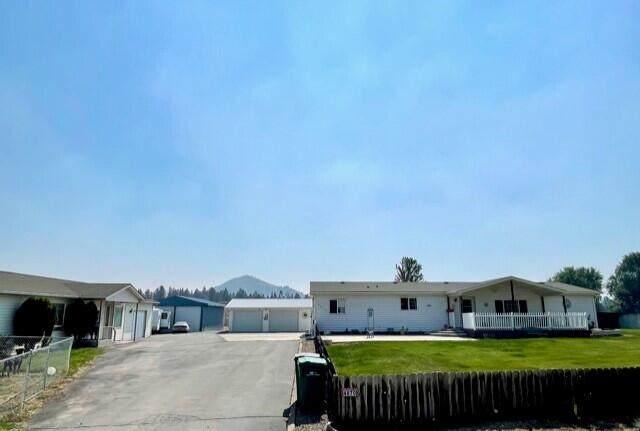 4866 &4870 Barney Court, Klamath Falls, OR 97601 (MLS #220131002) :: The Bifano Home Team