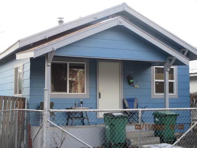 2048 Orchard Avenue, Klamath Falls, OR 97601 (MLS #220131369) :: The Bifano Home Team