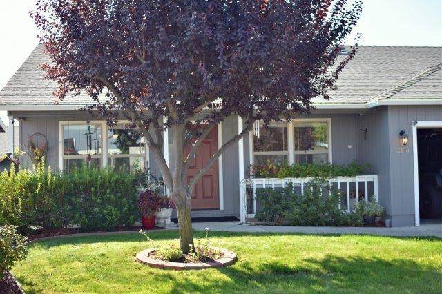 2360 Evan Way, Central Point, OR 97502 (MLS #220131770) :: Berkshire Hathaway HomeServices Northwest Real Estate