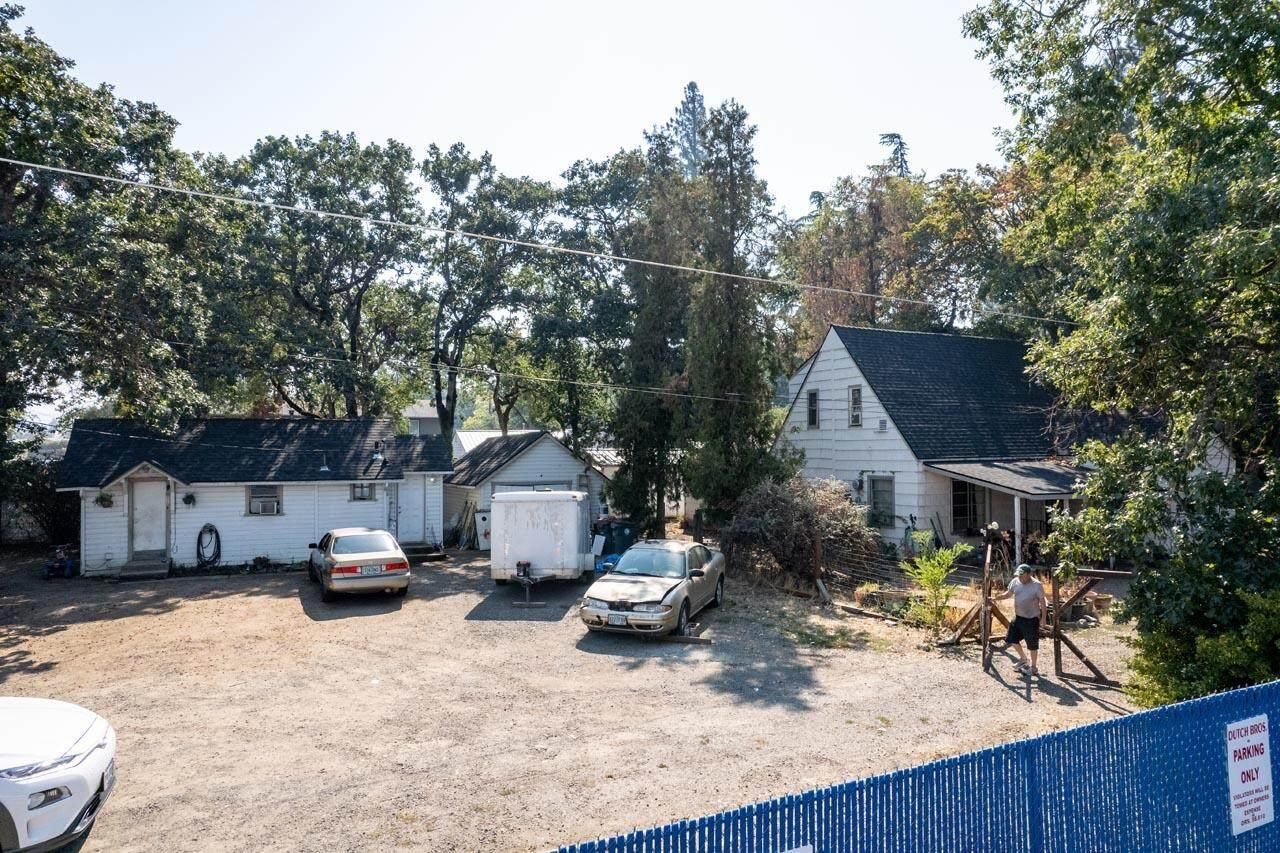 52 Oak Grove Road - Photo 1