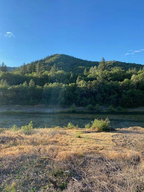 6930 Rogue River Hwy Highway, Grants Pass, OR 97527 (MLS #220132007) :: Schaake Capital Group