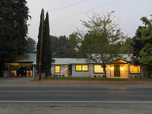 3790 Holland Loop Road, Cave Junction, OR 97523 (MLS #220132251) :: Team Birtola | High Desert Realty