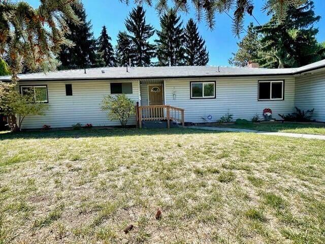 4840 Laverne Avenue, Klamath Falls, OR 97603 (MLS #220132413) :: Arends Realty Group