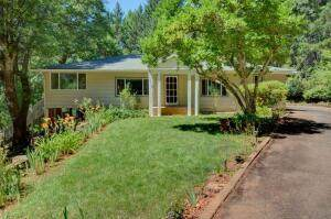 386 Weekly Drive, Grants Pass, OR 97527 (MLS #220132584) :: FORD REAL ESTATE