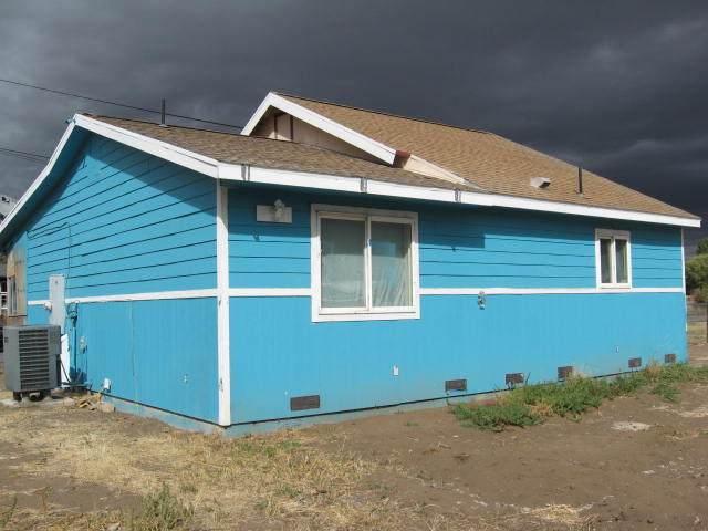 4524 Bisbee Street, Klamath Falls, OR 97603 (MLS #220132699) :: Coldwell Banker Bain