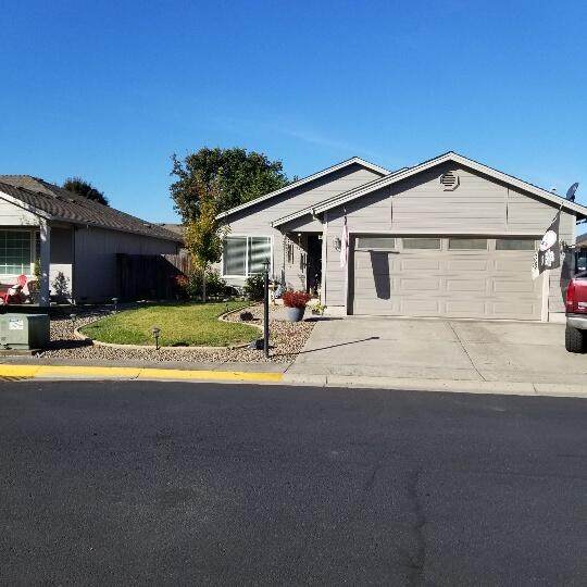 1332 Hawk Drive, Central Point, OR 97502 (MLS #220133765) :: FORD REAL ESTATE
