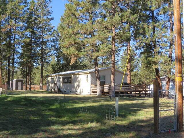 1920 Apaws Court, Chiloquin, OR 97624 (MLS #220133786) :: Bend Homes Now