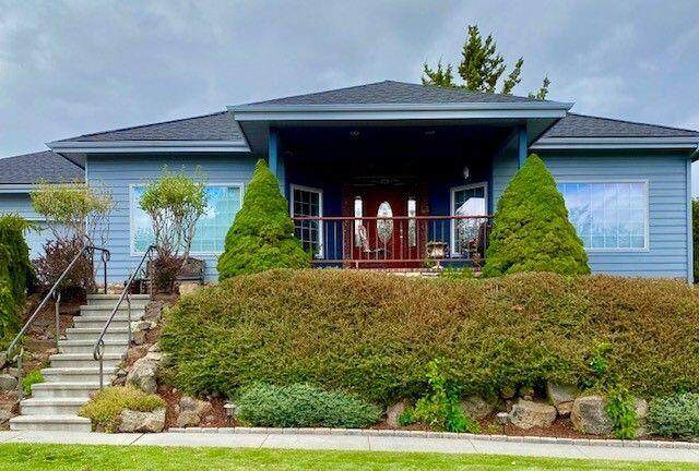 63383 NE Brightwater Drive, Bend, OR 97701 (MLS #220133930) :: The Ladd Group