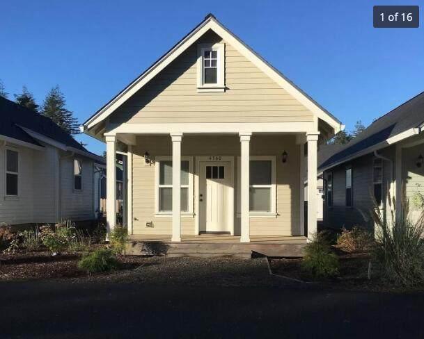 4370 Harborton, South Beach, OR 97366 (MLS #220134344) :: Berkshire Hathaway HomeServices Northwest Real Estate