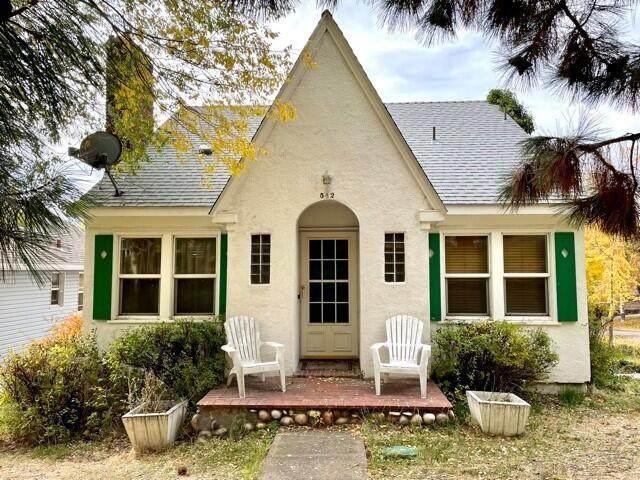 542 Pacific Terrace, Klamath Falls, OR 97601 (MLS #220134434) :: Central Oregon Home Pros