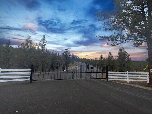 Lot 1-Phase 1 Kennedy Way, Prineville, OR 97754 (MLS #220134451) :: Coldwell Banker Bain