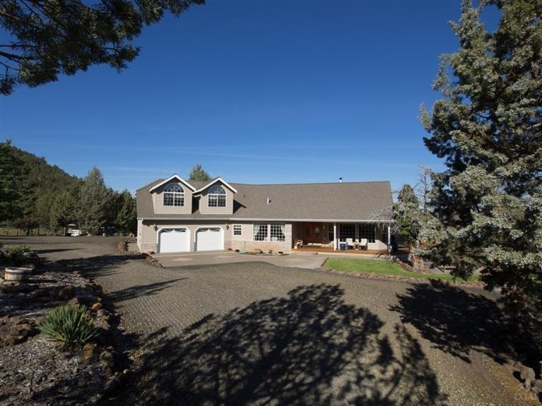 9128 NE Meadow Ridge Road, Prineville, OR 97754 (MLS #201404008) :: Birtola Garmyn High Desert Realty
